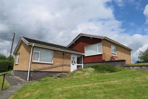 3 bedroom bungalow for sale - Derwlwyn Lane, Llanfyllin, SY22