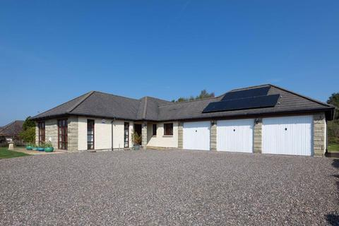 4 bedroom bungalow for sale - Comerton Place, Drumoig