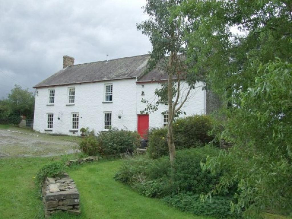 5 Bedrooms Land Commercial for sale in Dan Capel , Bancyffordd, Llandysul, Carmarthenshire. SA44 5AA