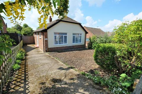 2 bedroom detached bungalow for sale - Downs Avenue, Whitstable
