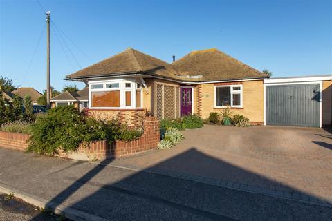 2 bedroom bungalow for sale - Wellesley Close, Broadstairs