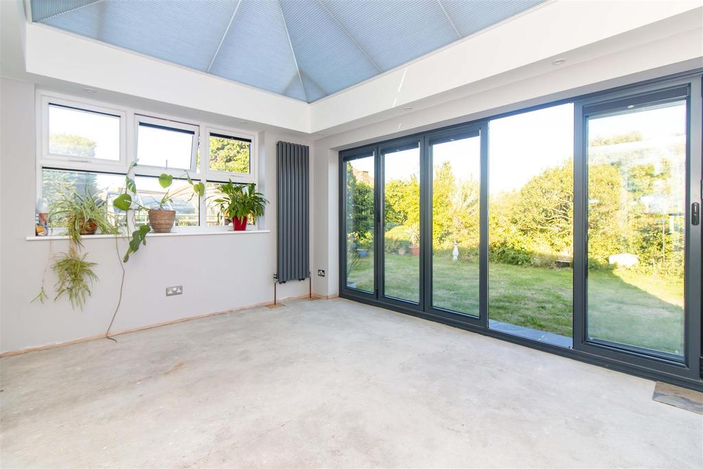 Wellesley Close Broadstairs 2 Bed Bungalow For Sale 163
