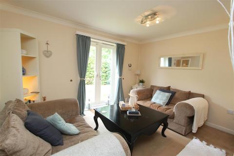 2 bedroom flat for sale - Caraway Court, Meanwood, Leeds
