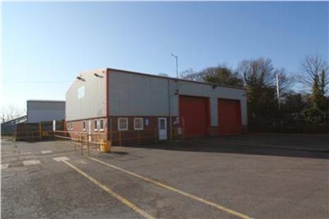 Distribution warehouse to rent - Workshop & Land, Plumtree Industrial Estate, Harworth, Doncaster, DN11 8EW