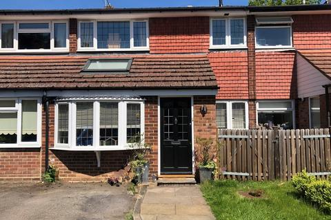 3 bedroom terraced house to rent - Beaconsfield