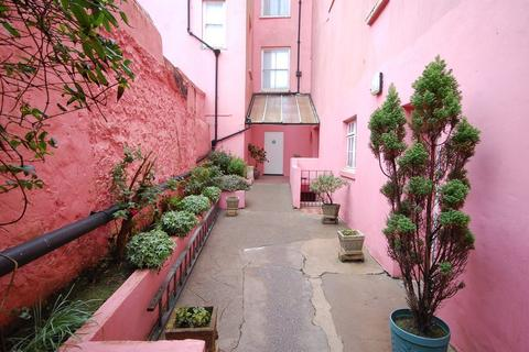 2 bedroom apartment for sale - Ashley House, Upper Frog Street, Tenby