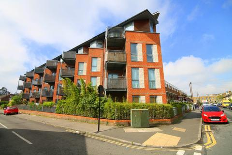 1 bedroom flat for sale - Edith Court, New Road, Bedfont, TW14