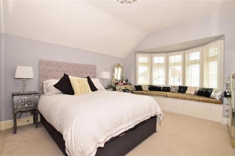 3 bedroom semi-detached house for sale - Burnt Oak Lane, Sidcup, Kent