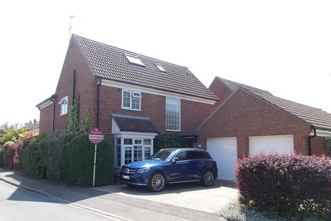 5 bedroom detached house for sale - Conway Close, Cherry Hinton