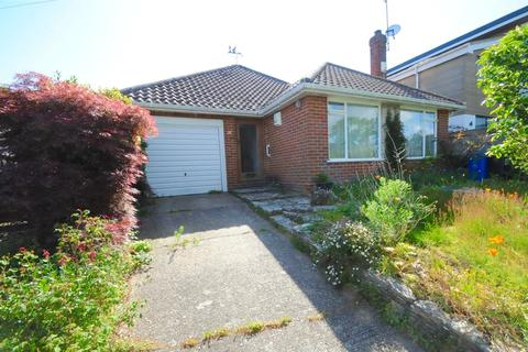 2 bedroom bungalow for sale - Blake Dene Road, Lilliput, Poole, Dorset, BH14
