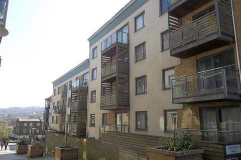 2 bedroom flat to rent - Sharpthorne Court, Brighton
