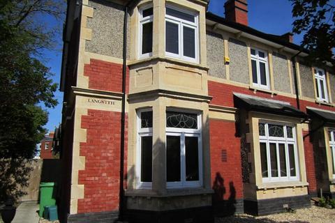 6 bedroom semi-detached house to rent - Hewlett Road, Cheltenham GL52