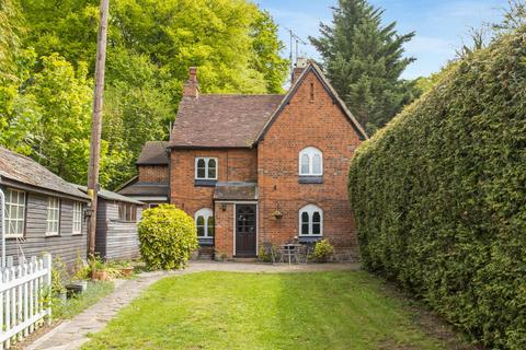 2 bedroom semi-detached house for sale - White Hill, Wooburn Green