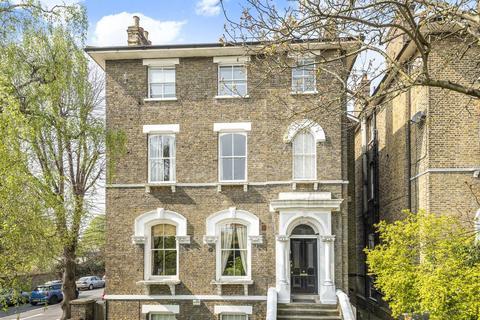 3 bedroom flat for sale - Kidbrooke Park Road, Blackheath