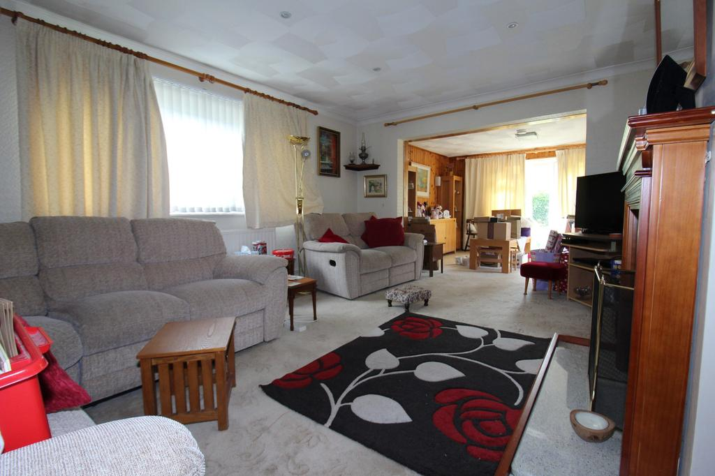 Cossington Road Chatham Kent Me5 5 Bed Bungalow For