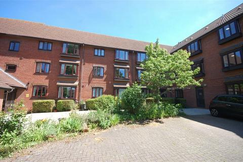 1 bedroom retirement property for sale - Churchill Court, Beaconsfield Road, Aylesbury, Buckinghamshire