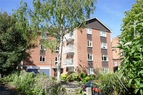 2 bedroom apartment for sale - Leahurst, 65 Silverdale Road, Eastbourne, East Sussex, BN20
