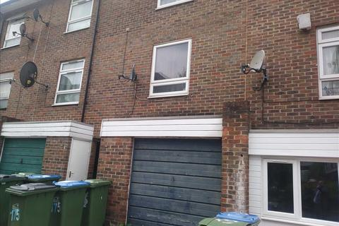 3 bedroom townhouse for sale - Nightingale Vale, Plumstead, London