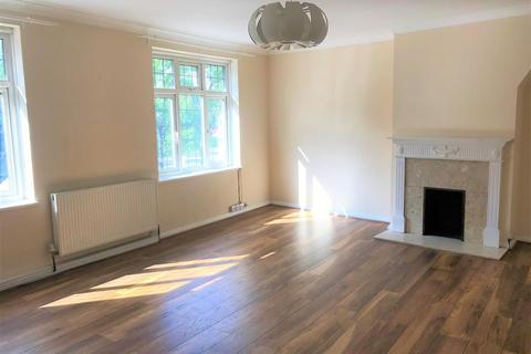 3 bedroom apartment to rent - Station Parade, Denham Green