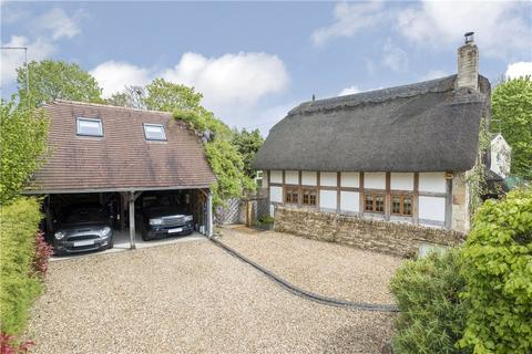 3 bedroom detached house for sale - Winchcombe Road, Sedgeberrow, Worcestershire, WR11