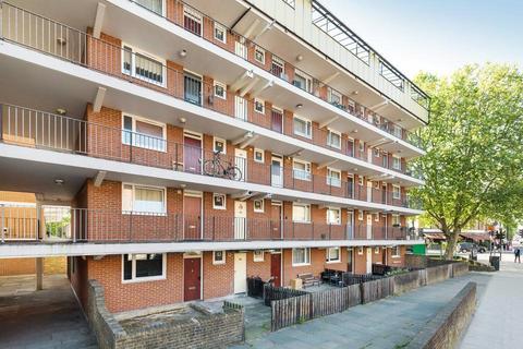 1 Bedroom Flat For Battersea Bridge Road London Sw11