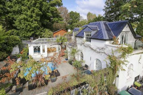 3 bedroom detached house for sale - The Coach House, Hurst Avenue, N6