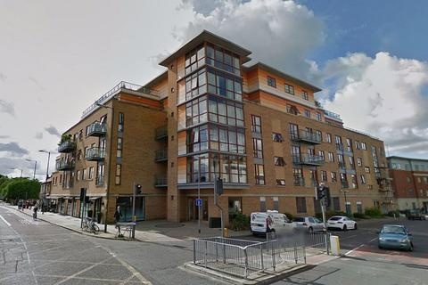 2 bedroom apartment to rent - The Levels, Hills Road, Cambridge