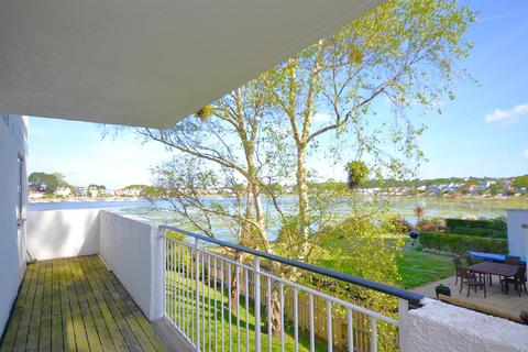 2 bedroom apartment for sale - Salterns Point, 36 Salterns Way, Poole