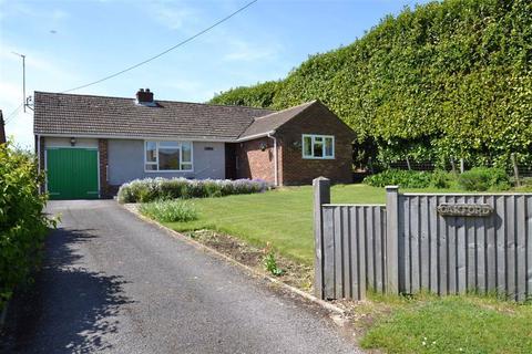 4 bedroom detached bungalow for sale - Shop Lane, Leckhampstead, Berkshire, RG20