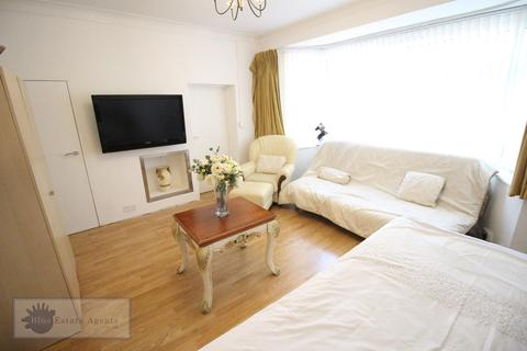 1 bedroom flat to rent - Firs Drive, Hounslow, TW5