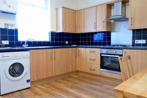 3 bedroom house to rent - Edmund Road, Sheffield, S2