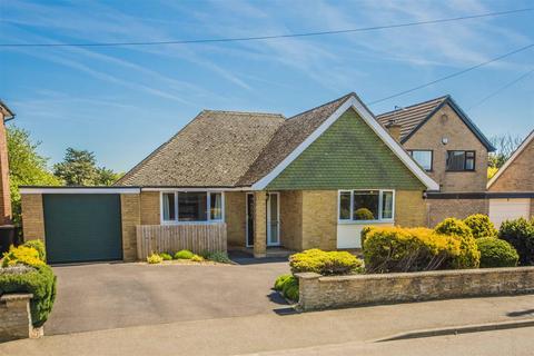 2 bedroom bungalow for sale - Headlands, Desborough