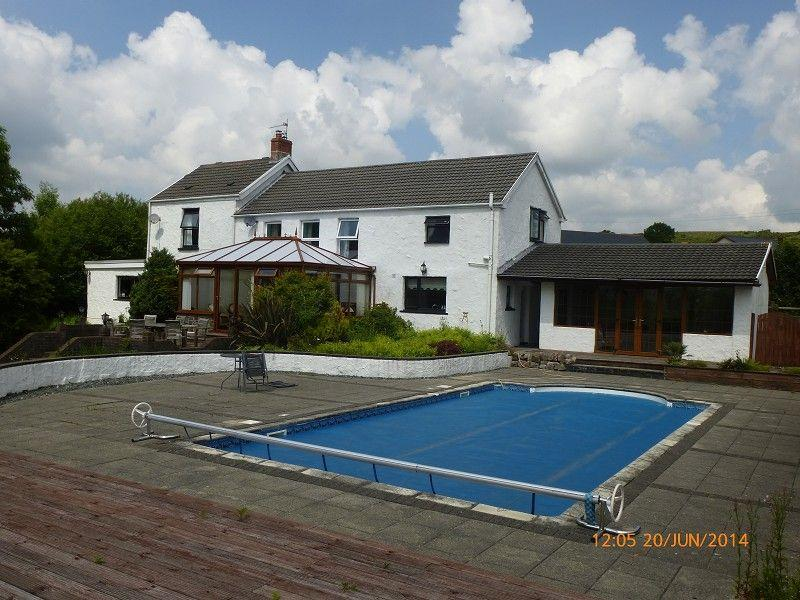 4 Bedrooms Detached House for sale in Mountain Road, Upper Brynamman, Ammanford, Carmarthenshire.