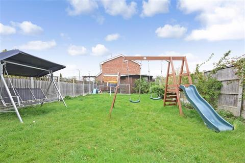 2 bedroom semi-detached bungalow for sale - Athelstan Gardens, Wickford, Essex