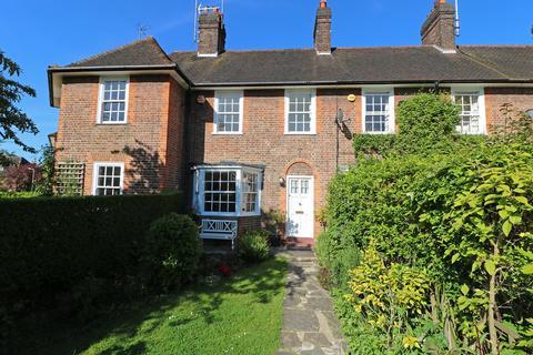 2 bedroom terraced house for sale - Corringway, Hampstead Garden Suburb