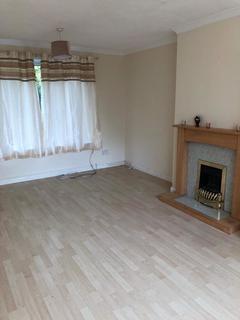 3 bedroom semi-detached house to rent - Queensway