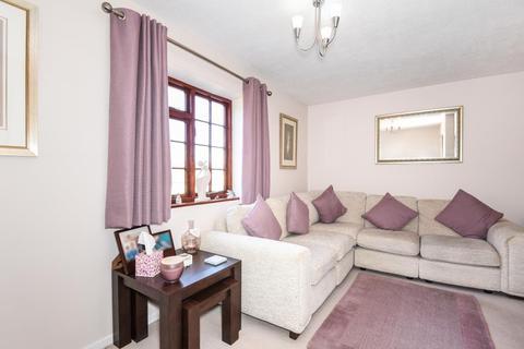 2 bedroom semi-detached house for sale - Manor Court, Lawton Avenue, Carterton