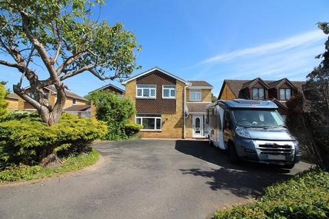 4 bedroom detached house for sale - Taff Road, Caldicot