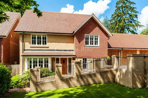 4 bedroom detached house for sale - Old Tollgate Close, RG12