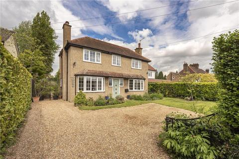 4 bedroom detached house for sale - Langley Road, Chipperfield, Kings Langley, Hertfordshire, WD4
