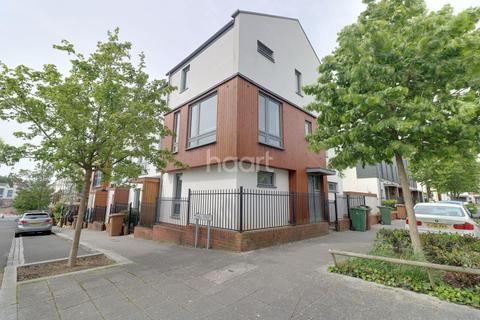 4 bedroom semi-detached house for sale - Phelps Road, Devon port.