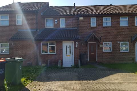 3 bedroom terraced house to rent - Constable Close, Dunstable, Bedfordshire, LU5