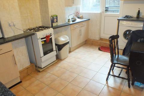 6 bedroom terraced house to rent - Manor Drive, Leeds, West Yorkshire, LS6