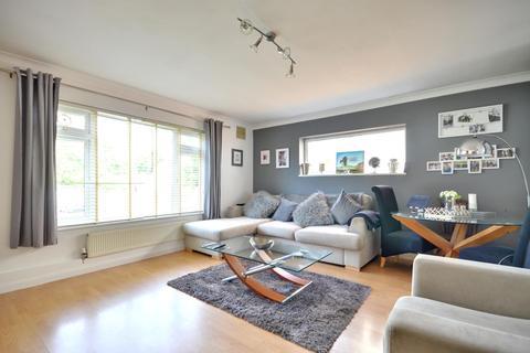Studio to rent - Rosedene Court, Ruislip HA4 7BY