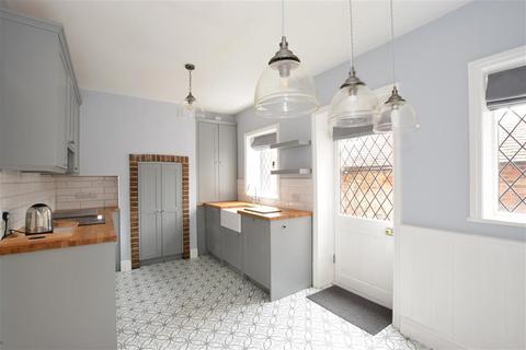 3 bedroom terraced house for sale - Maltravers Street, Arundel, West Sussex