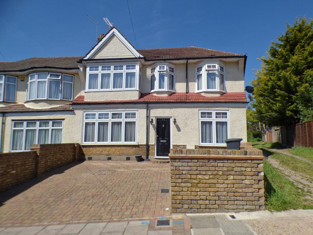 5 Bedroom End of Terrace House