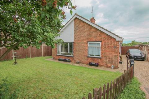 2 bedroom detached bungalow for sale - Roydon