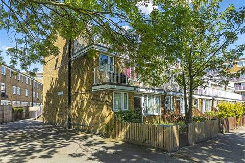 2 bedroom flat for sale - Lucey Way, London
