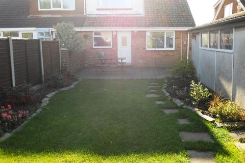 3 bedroom bungalow for sale - Plumtree Road, Thorngumbald, Hull, East Riding of Yorkshire, HU12