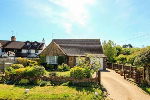 3 bedroom detached house for sale - Aston Clinton